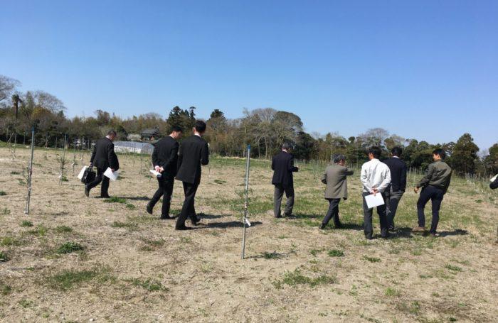 八王子市議会の議員さんが農園を視察に!