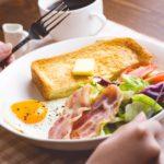 朝ごはんの定番「トースト」 バターをオリーブオイルに変えるだけでダイエットにうれしい!