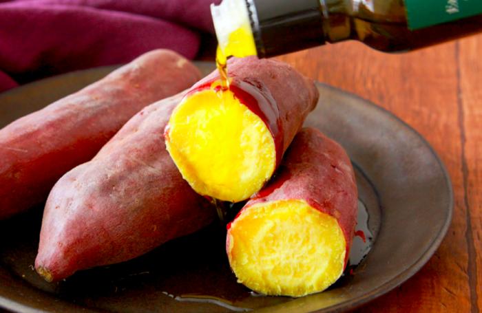 オーブントースターで簡単おいしい! オリーブオイルをかけて食べる焼き芋