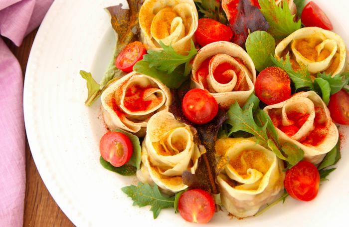 意外と簡単!おもてなしにぴったり! 変わり種「バラ餃子」の作り方